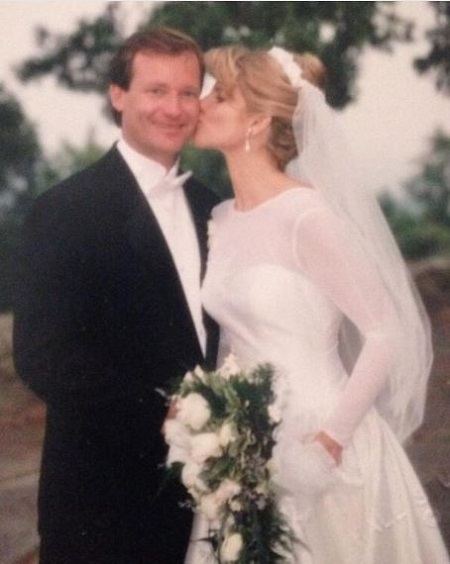 Meet Fox 13 Journalist Kelly Ring S Husband And Find The Details On Her Wedding Kids Salary And Bio The couple tied the knot in northern california after more than six years of dating. glamourbiz