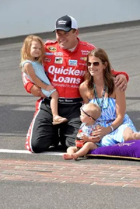 Nascar Racer Ryan Newman Recovery From His Fiery Crash Net Worth Details Wife Family